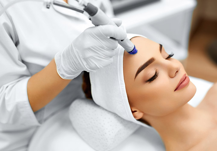 Microdermabrasion skin therapy